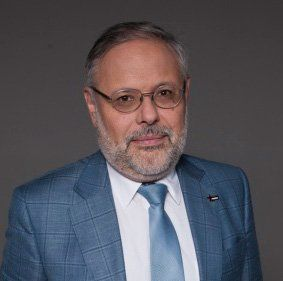 Михаил Хизин