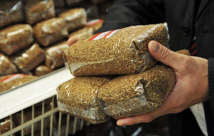 Правительство временно запретило вывозить из Беларуси гречку и кукурузу —  OfficeLife
