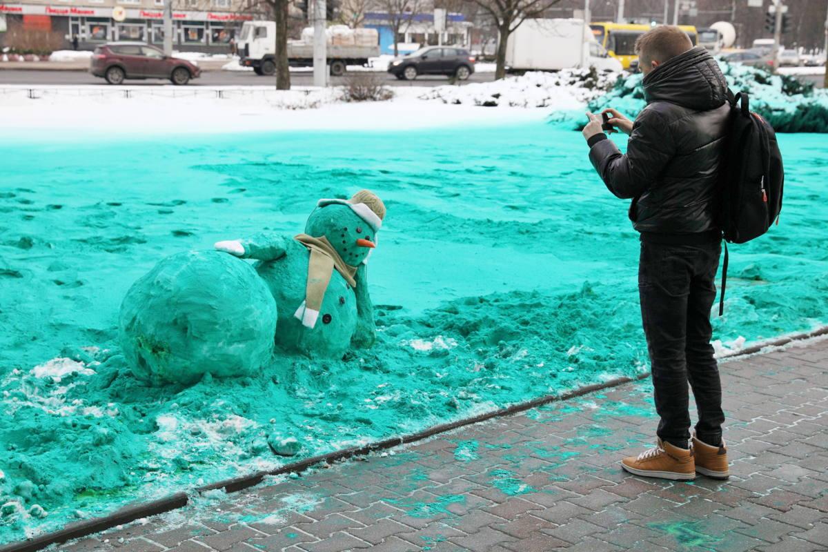 Бирюзовые снеговики