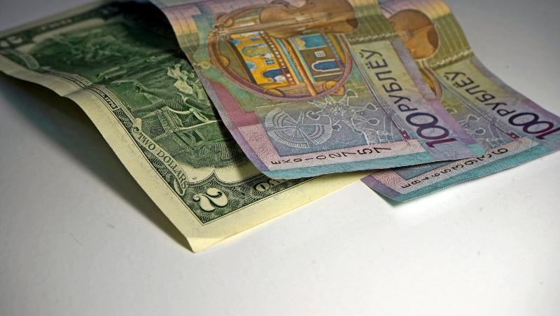 В Беларуси за выплату зарплаты в конвертах вводят уголовную ответственность  — OfficeLife